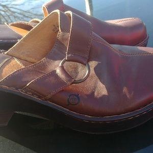 Born Wm 9 heel mules brown leather euro 40.5